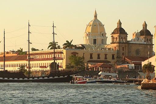 Foto de bahia de Cartagena, cerca al Centro, la mejor zona donde quedar en Cartagena.