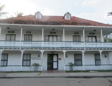 Photo of the front of the Casa Rafael Nuñez