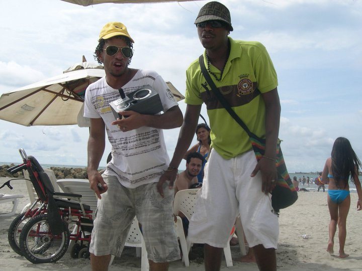 Photo of two guys rapping on one of the beaches in Bocagrande.