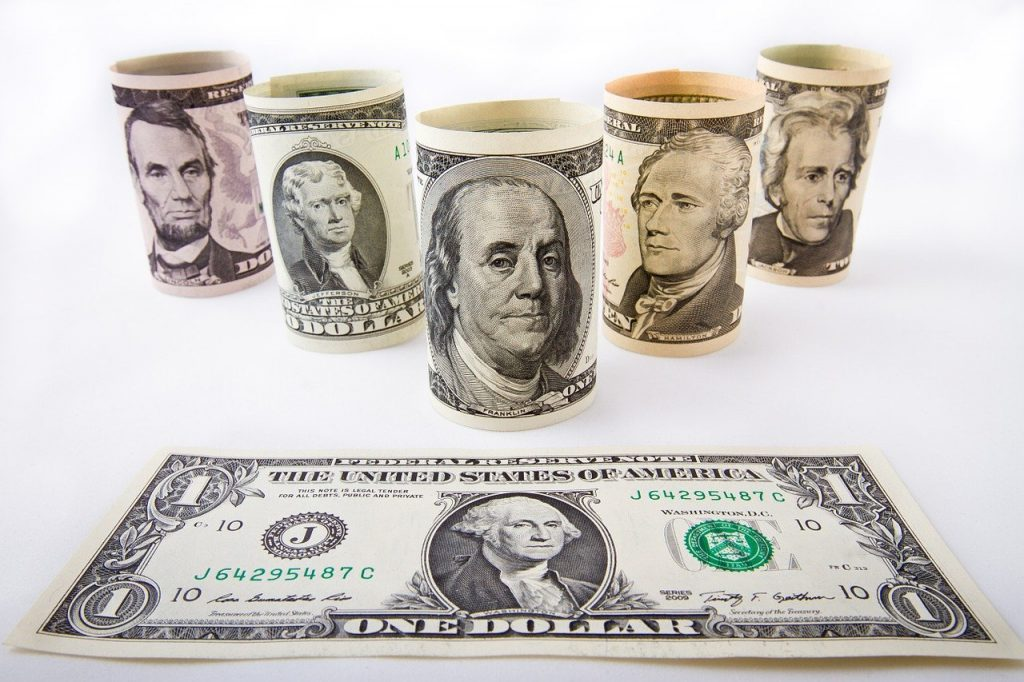 Photo of different denominations of US currency that one might get if they are living abroad second stimulus.