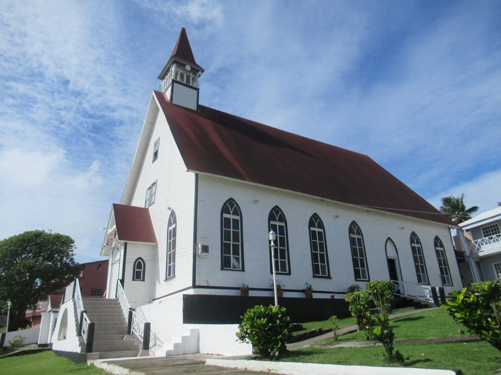 Photo of La Loma Church.