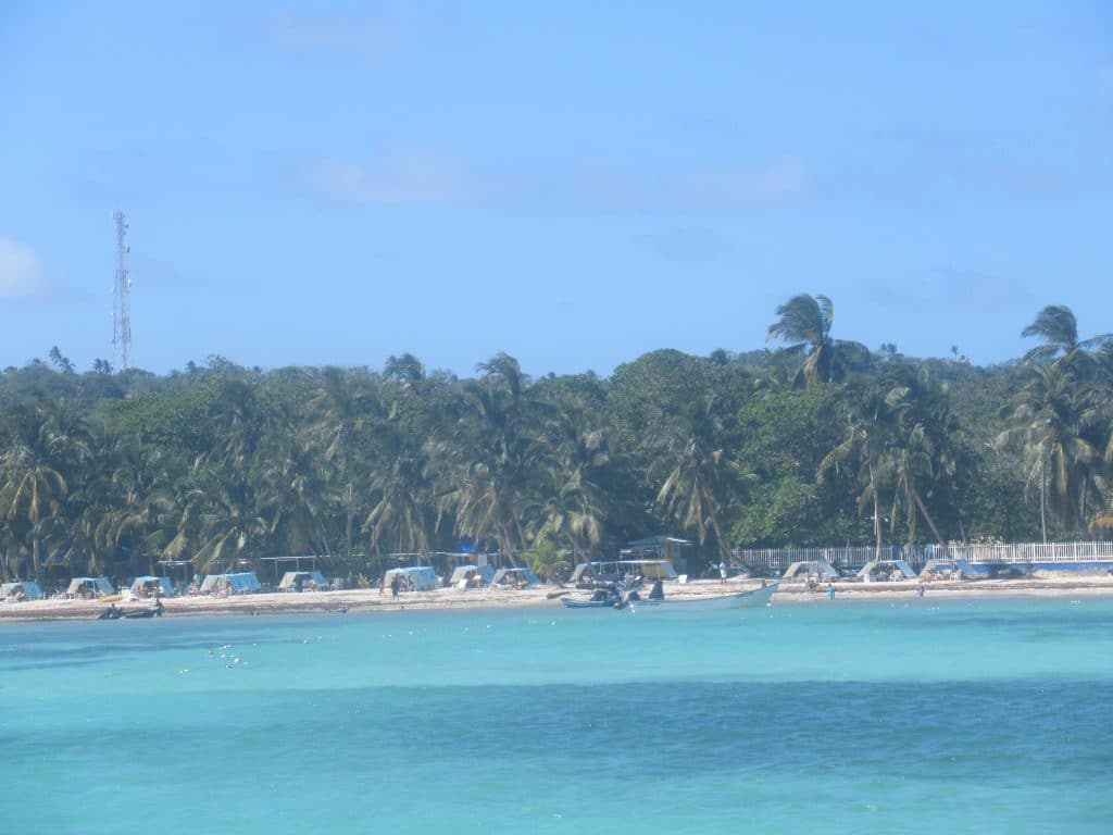 Photo of Rocky Cay beach in San Andres.